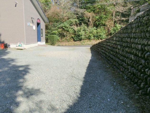 【駐車場入り口】