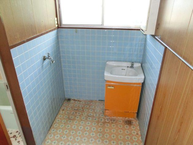 【洗面室】