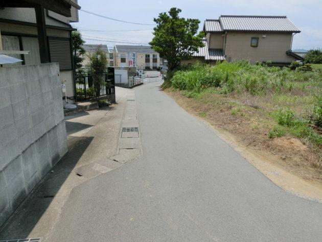 【前面道路入口】