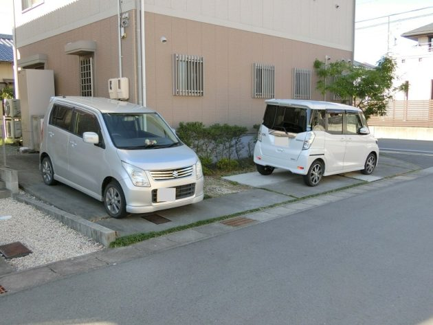 【出し入れしやすい駐車場】