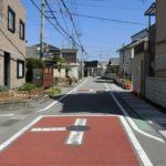 【前面道路は松江小学校のスクールゾーンです】