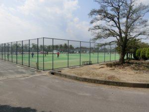 【テニスコートが数面ある広域衛生センター公園】