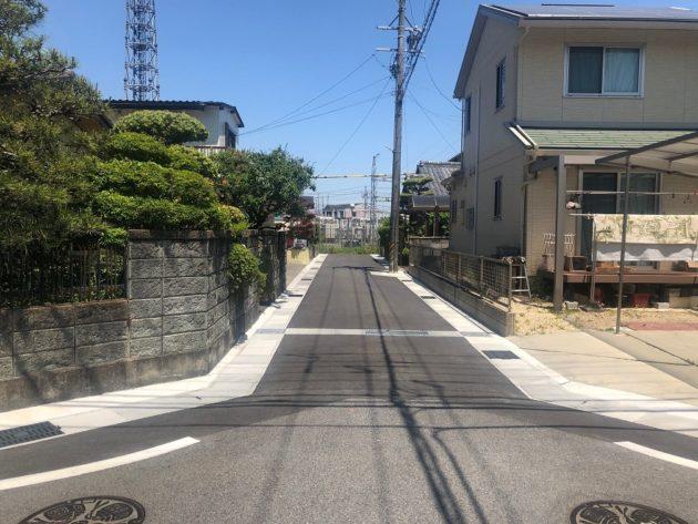 【東側前面道路は4mなので少し狭い感じです】