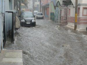 【ゲリラ豪雨に備えましょう】