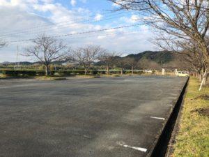 【桜づつみ公園の駐車場】