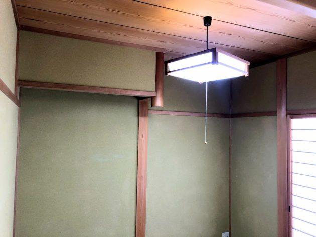 【玄関横に和室4.5帖天井付近】