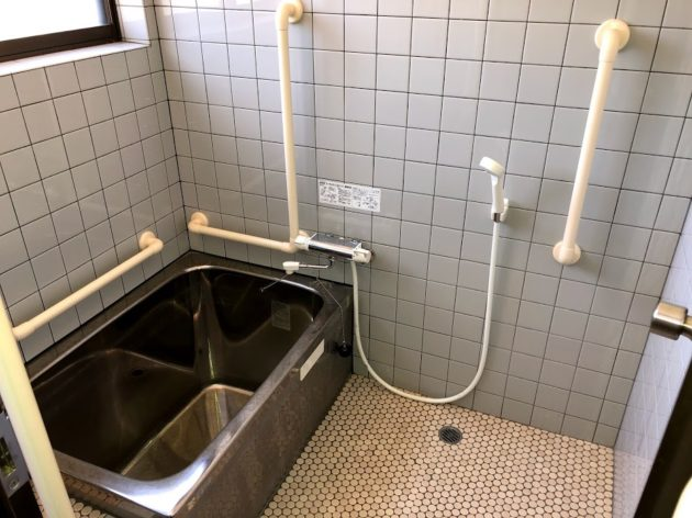 【田原町中古住宅浴室】