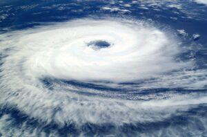 【台風画像 WikiImagesによるPixabayからの画像 】