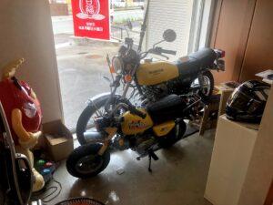 【玄関横にあるかっこいいバイクのディスプレイ】